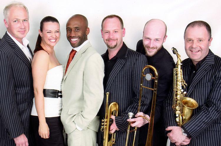 Groove Machine Band - Fantasia Music
